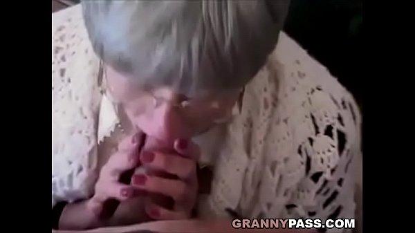 Смотреть как трахают очень старых бабушек