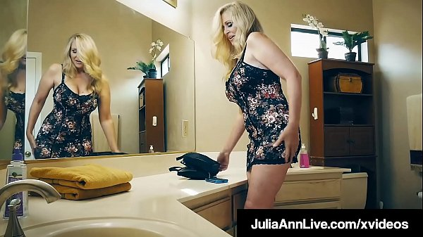 Big boobs mommy julia ann love and enjoy hard style sex clip