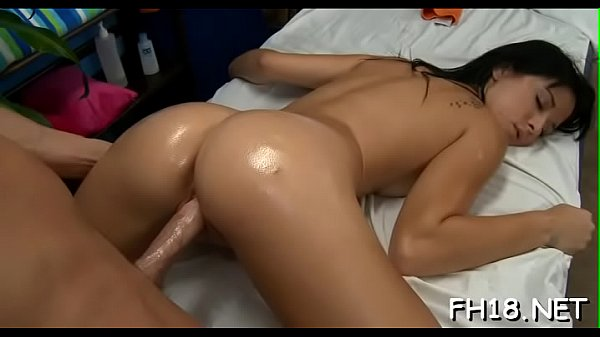 Watch this hawt and slutty 18 yea rold get screwed hard from behind by her massage therapist Thumb