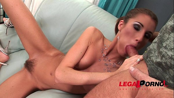 Josette Most hairy pussy pounding HG018 Thumb
