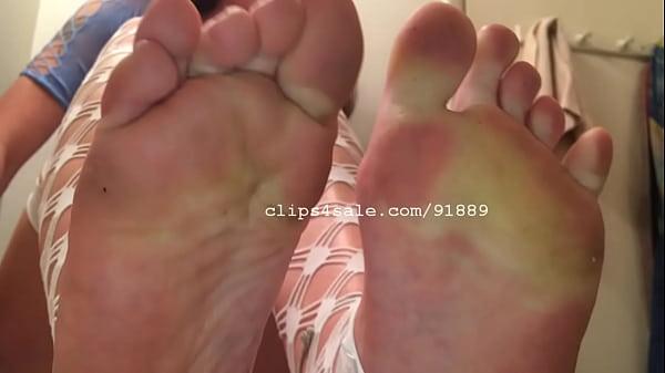 Bella's Feet