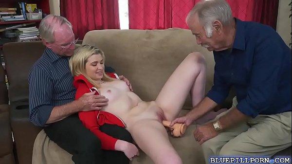 Развел старый член молодую на секс