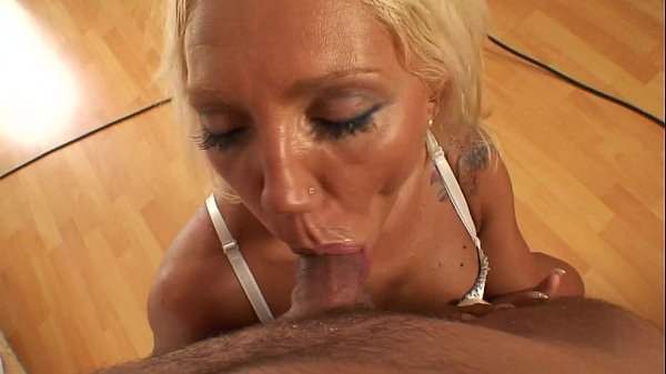 Slut bulgarian milf in dirty and humiliating porn video Thumb