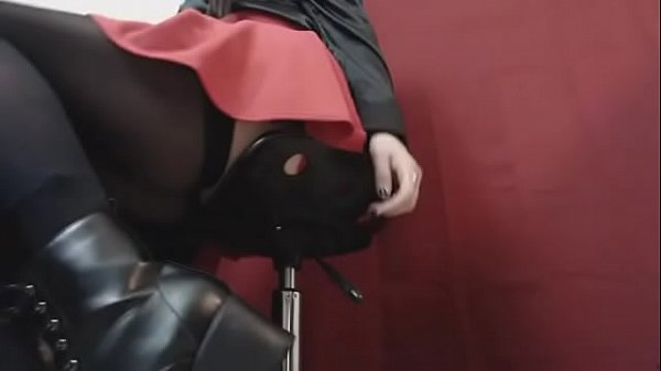 Preview Snippet Fetish Clip Underdesk Voyeur Goth Schoolgirl in Boots & Stockings Thumb