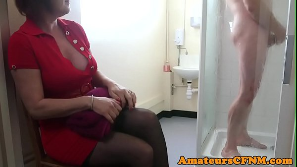 CFNM mature catches sub guy while jerking Thumb