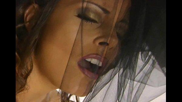Sexy milf Felecia masturbates Thumb