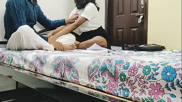 हॉट पूजा ने देसी टिचर को मजबूर किया चूत चोदने में with क्लियर Audio Thumb