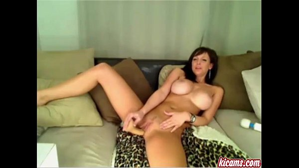 Мама в ванне а сын смотрит а мама ругает секс видио