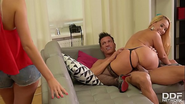 New face Briana Bounce rides photographer's big dick with Karo Lilien Thumb