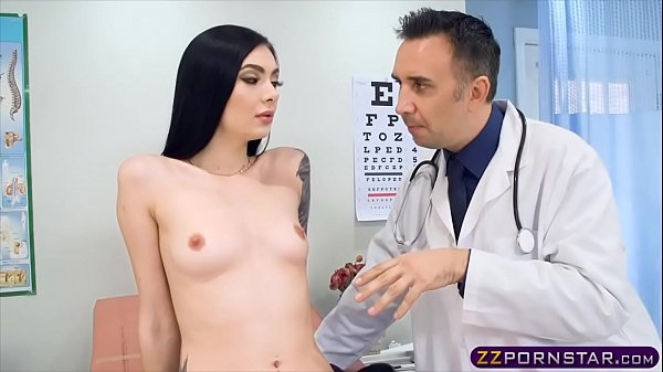 סרטון פורנו Skinny chick goes to the hospital and fucked hard by the doc