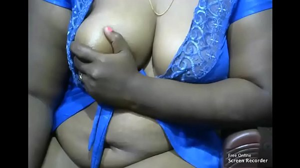 tamil aunty showing her big boobs