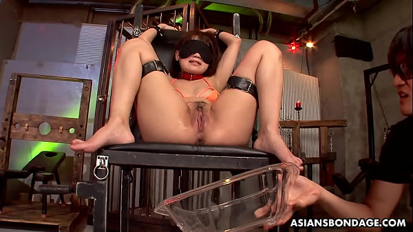 Nene Masaki is having a blast during a bondage session