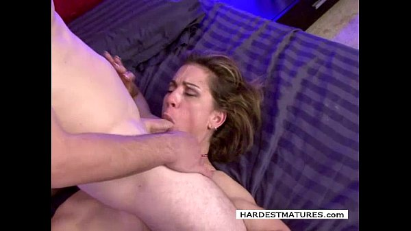 Horny housewife pays for sex Thumb