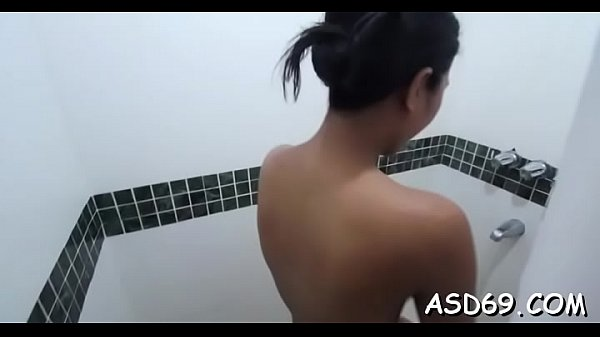 Asian cutie blows weenie nicely Thumb