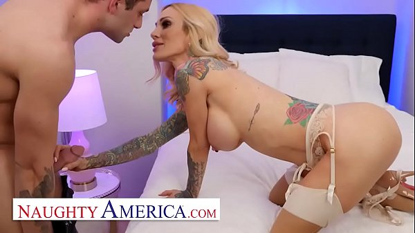 Naughty America - Mommy Sarah Jessie is ready to get paid and fucked Thumb