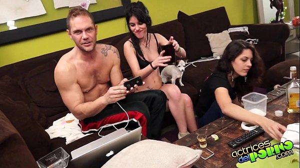 Cazzo con gli amici del marito video porno
