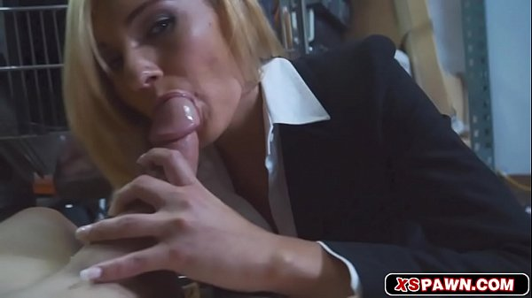 Hottie chick loves to suck and ride meaty hard pole Thumb