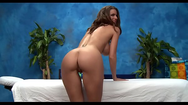 porno-latinka-polozhila-na-krovat