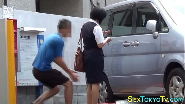 Asia: Hot Japanese Babes Groped