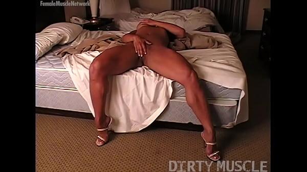 Naked Female Bodybuilder Masturbates on Her Bed