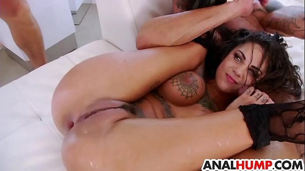 Gangbang and double penetration for Bonnie Rotten