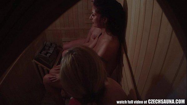 Milfs Sauna Meeting