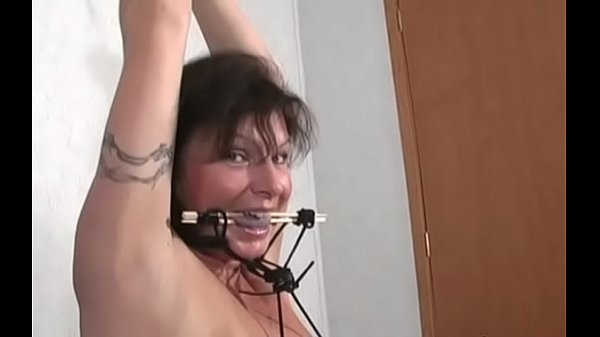 Порно ролики порка девушки ремнём