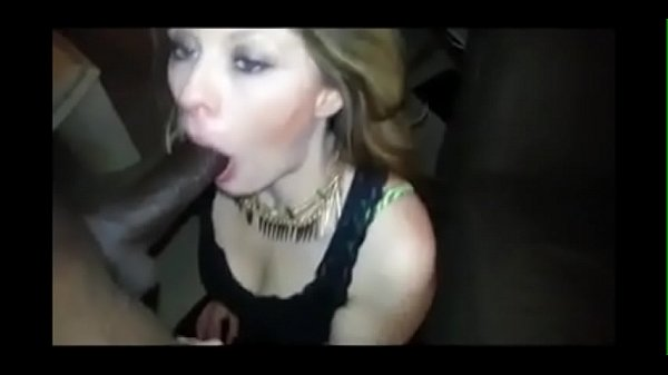 Blowjob In The Middle Of The Club