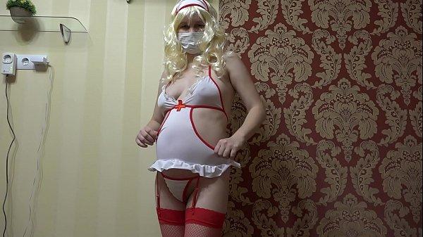 Русская медсестра трахаеца с девушкой