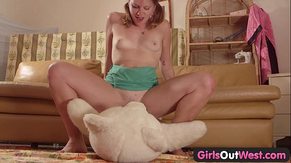 Girls Out West - Amateur cutie fucking a teddy bear Thumb