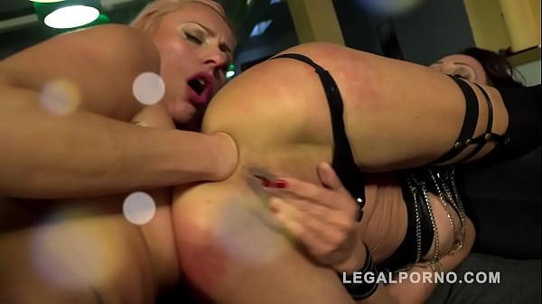 Brittany Bardot & Lyna Cypher 2on2 fountain squ...