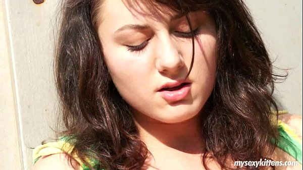 Shameless teen Lucy masturbating outdoors Thumb