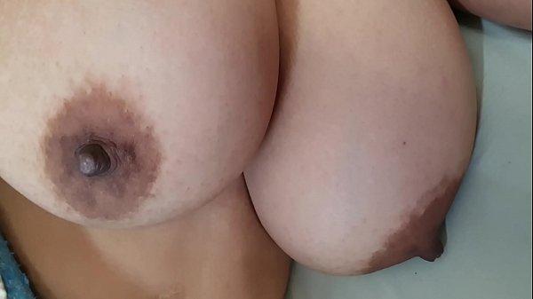 סרטי סקס The nanny of my son is sleeping, let's go to see her tits