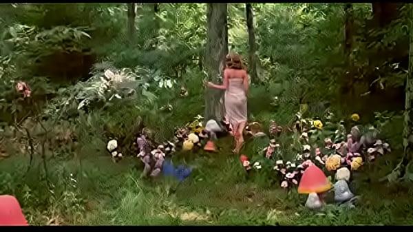 Alicia en el pais de las pornomaravillas-(alice in wonderland)-1976 Thumb