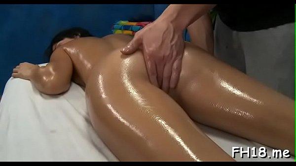 Swingeing brunette Mandy Sky gets drilled hard Thumb