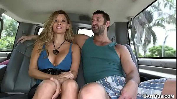 Порно геи в автомобиле