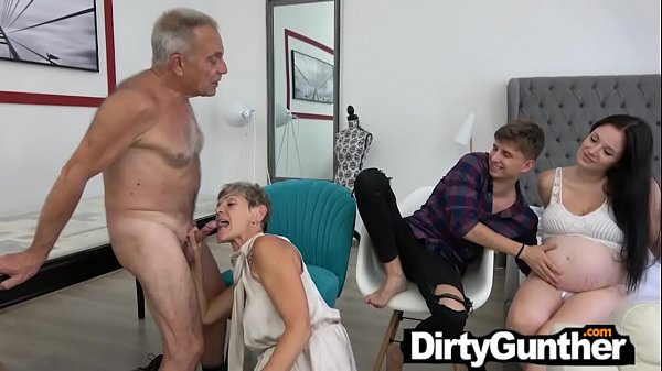 Pregnant Babe Watches Old Gunther Fuck Thumb