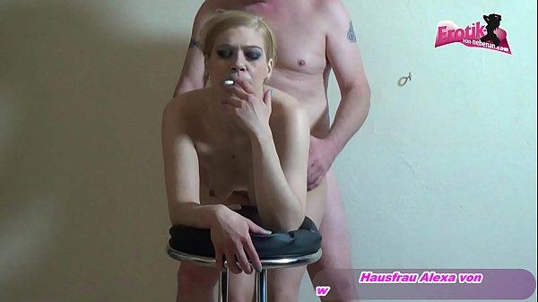 Rauchen beim Sex beim deutschen Userdate - german mom fuck by old man