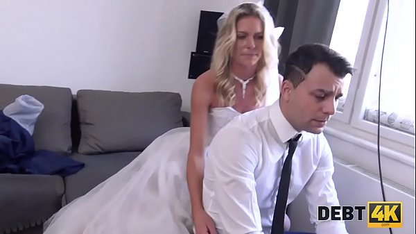 DEBT4k. Seductive dame uses her sexual charms to get rid of debts Thumb