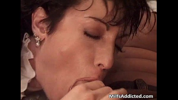 Great short haired milf got banged after