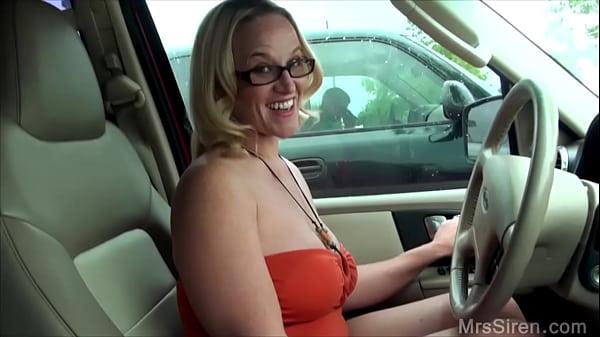 Wife Fucks Stranger in Backseat Thumb