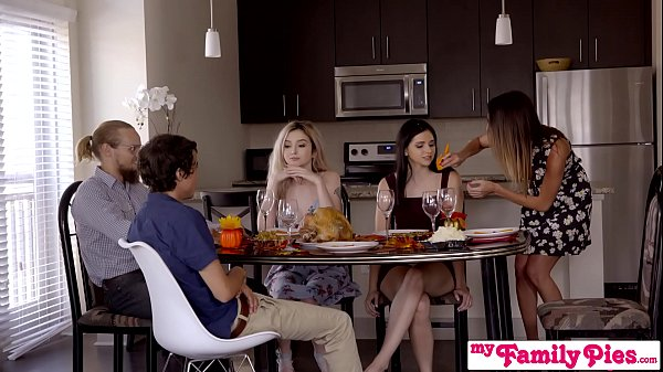 Fucked Up Family: Cousin Blowing Me Under Thanksgiving Table - My Family Pies S5:E3