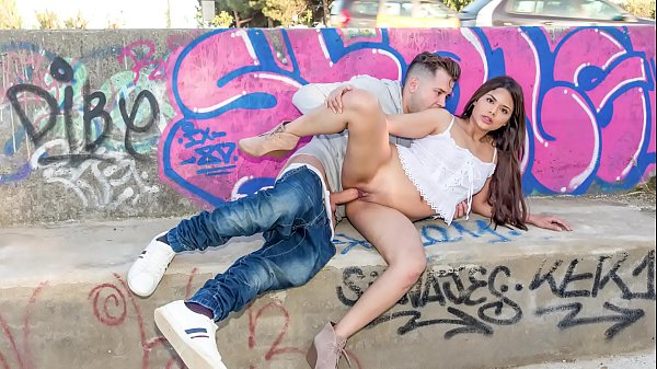CHICAS LOCA - Latina Teenager Fucked On Public Side Road