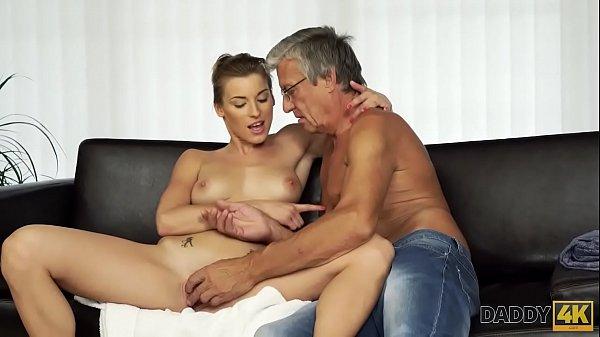 DADDY4K. Sesso con papà dopo la piscina