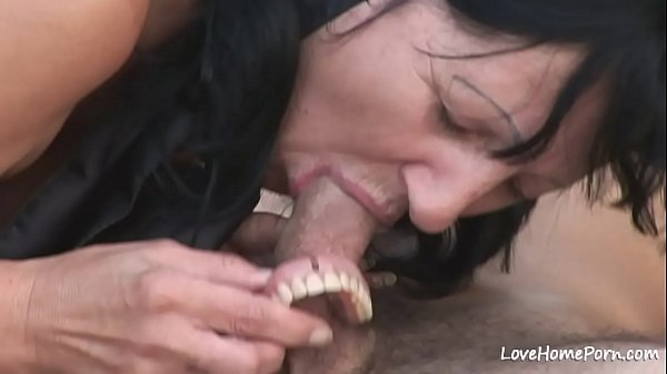 Granny is enjoying passionate fucking while outdoors Thumb