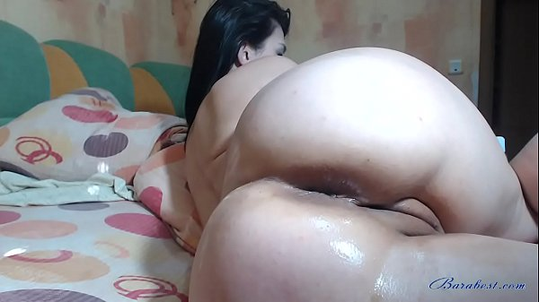 Brunette babe showing big ass and fisting pussy on webcam Thumb