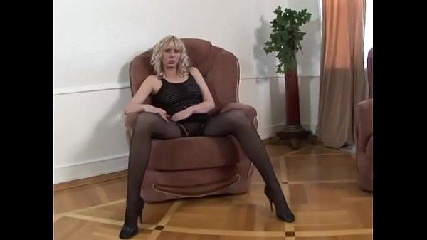 Порно молодые парнии девушки