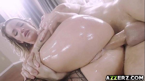 Seductive babe Cali Carter hot anal fucking session Thumb