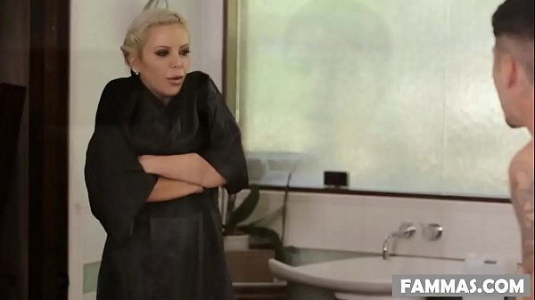 I can t believe my stepmom riding my cock right now Thumb