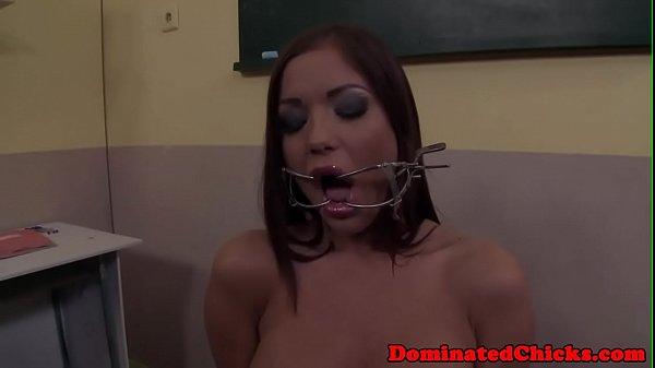 Смотреть порно госпожа доминирует над женщинами